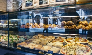 Croatian bakery tempts Australians with crusty loaves