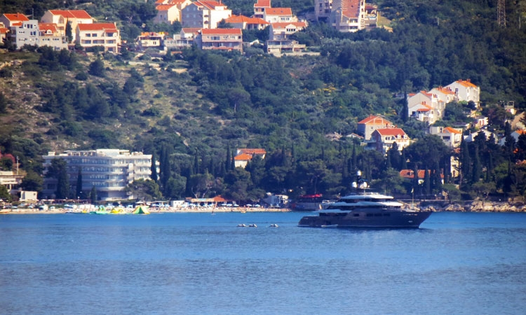 Luxury yacht drops anchor in Cavtat