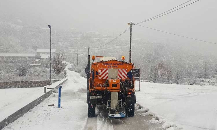 Snow falls in Konavle