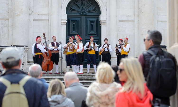Lindo performs on the Stradun in Dubrovnik