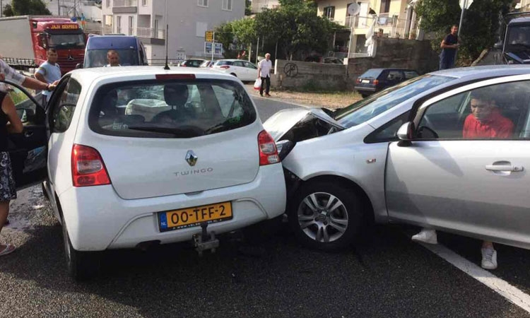 Accident causes long traffic jams