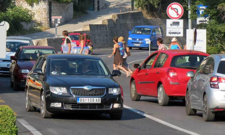 Dangerous road crossing in Zupa finally gets solution