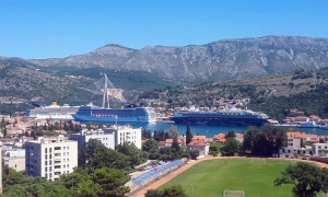 Another busy cruise ship today in Dubrovnik