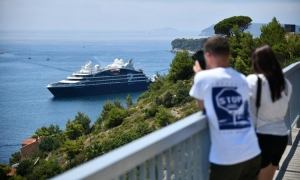 The first small cruise ship with a capacity of 174 passengers arrives to Dubrovnik