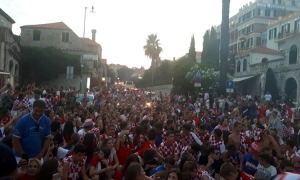VIDEO – Wild World Cup celebrations in Dubrovnik