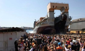 Launch of world's largest dredger