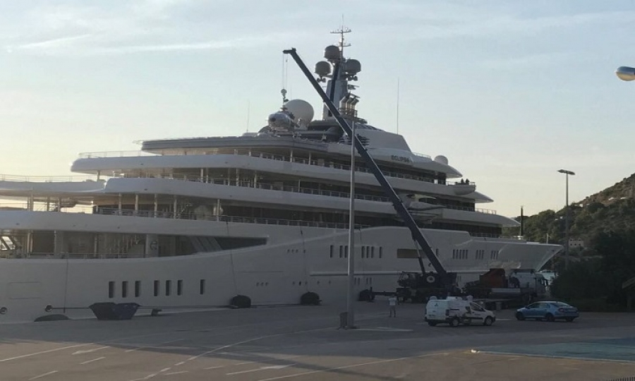 Video Helicopter Removed From Abramovich S Eclipse The Dubrovnik