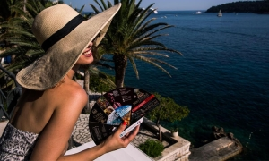 INTERVIEW – Creator of the Dubrovnik hand fan reveals her passions and determination – Ana Matušić