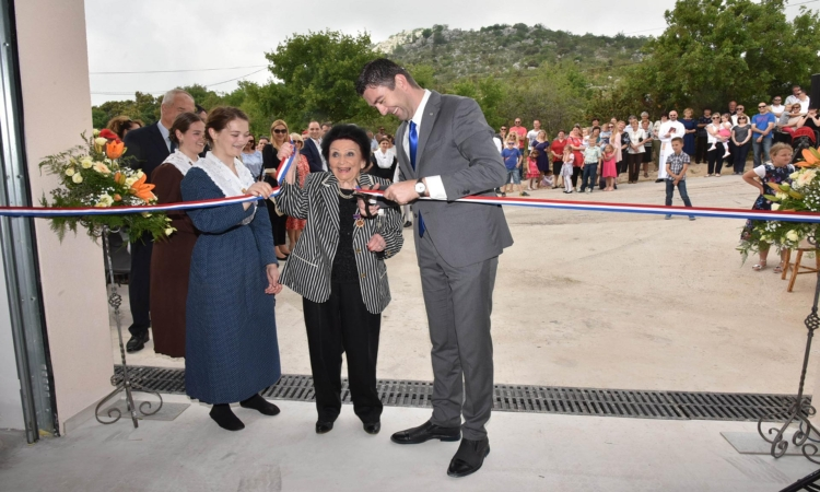 Fire department opened at Osojnik because of kindness of Olga Stoss