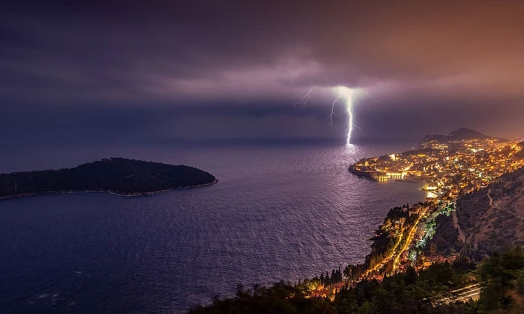 Amazing photo of the storms last night in Dubrovnik