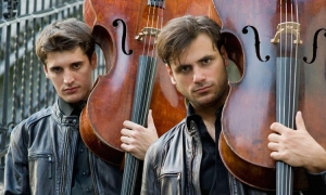 2Cellos to play with Messi and Ronaldo