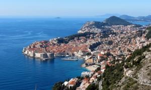 VIDEO/PHOTO – Dubrovnik bathes in February sunshine