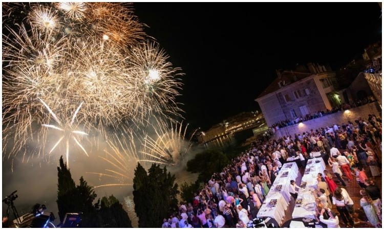 Restaurants and bars allowed to work longer for the opening of the Dubrovnik Summer Festival