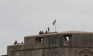 Brave or stupid - Tourists relax on the top of Lovrijenac Fortress