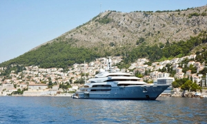 PHOTO - tenth largest yacht in the world drops anchor in Dubrovnik