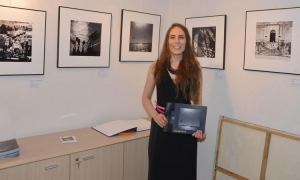 Street photography exhibition by Iva Batistić opens in Dubrovnik