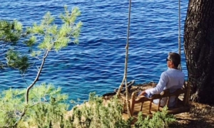 Pierce Brosnan finding it hard to leave Croatia