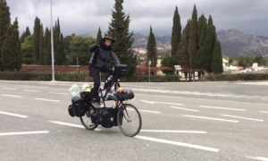 VIDEO – A bike on a bike or a double size bicycle passes through Dubrovnik