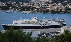 "Cruise ""old-timer"" docks in Dubrovnik"