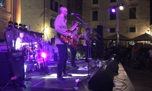 VIDEO - The Beatles rock the stone facades of Dubrovnik in fantastic finale to British Days in Dubrovnik