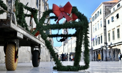 Christmas decorations go up in Dubrovnik