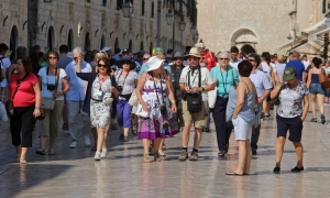 Hundred thousand tourists are currently in Croatia