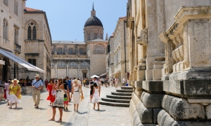 Almost 400,000 tourists visit Dubrovnik County in July