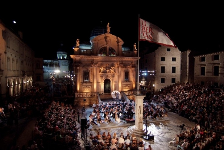 Gala Concert with José Cura in front of St. Blaise's Church