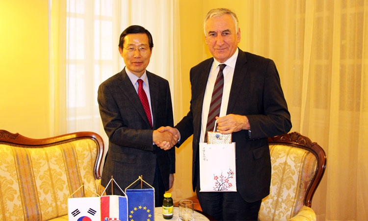 South Korean Ambassador meets Nikola Dobroslavic