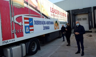 Dubrovnik send a Christmas present of 16 tons of mandarins to Vukovar