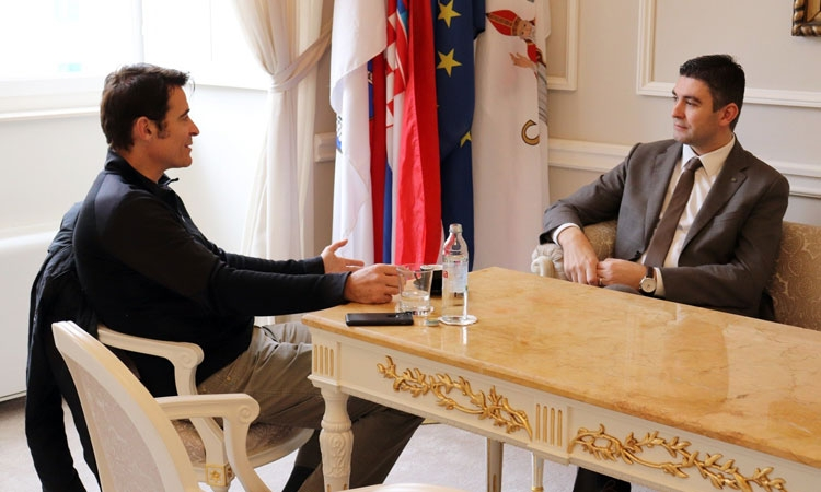 Dubrovnik Mayor meets with Hollywood actor and discusses new dog shelter