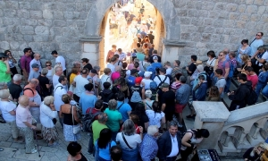 Photo Gallery – Busy Friday the 13th in Dubrovnik