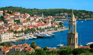 Grab a cold cocktail and start your Hvar adventure