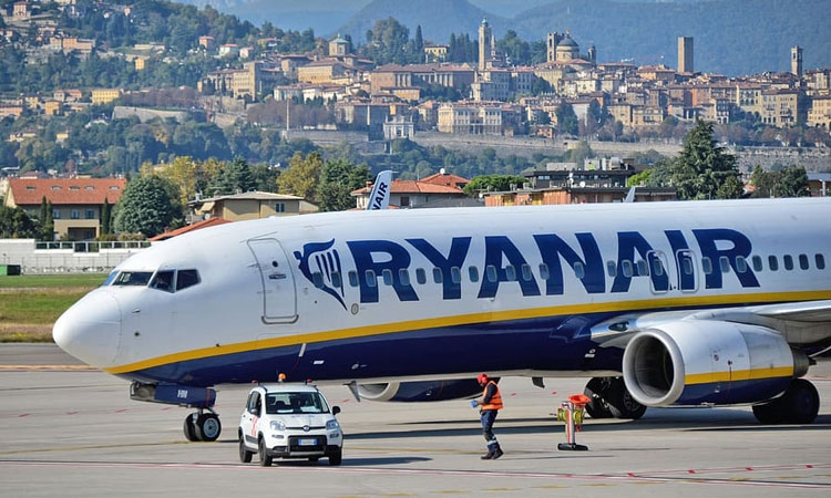 Ryanair announces reduced flight schedule for this winter