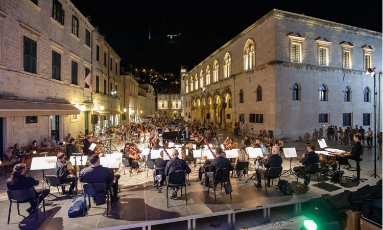 Opening night in front of Dubrovnik Cathedral