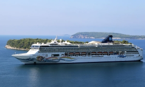 Dubrovnik dealing with cruise ship crush