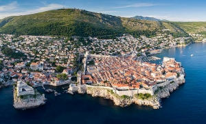 Dubrovnik, Russell Crowe and Cricket, yes they are all connected