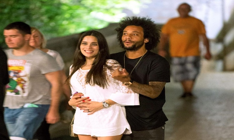 Photos – Marcelo enjoys Dubrovnik by night