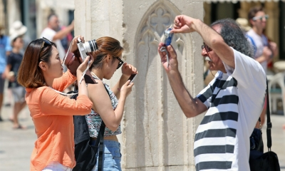 8 billion Euros of tourism revenue for tourism in 2015