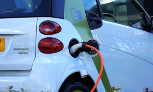 Electric cars triple their market share in Europe in first half of 2020