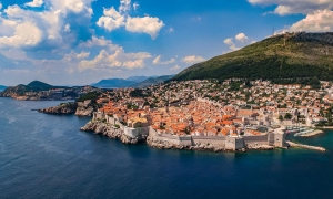 Bright and sunny week for Dubrovnik but wrap up against wind