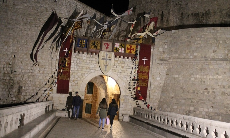 Three Lions banners over Dubrovnik walls