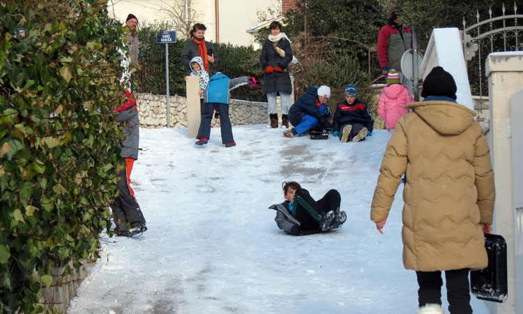 Sledging in the Dubrovnik snow