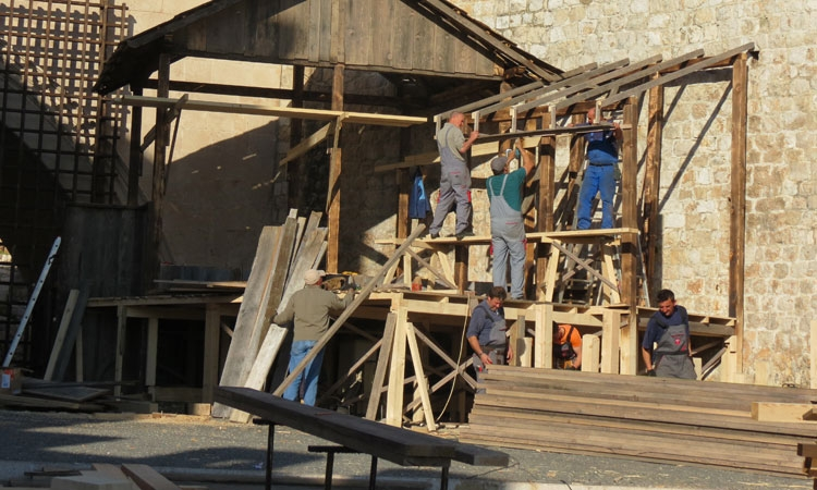 All hands to the pumps on Robin Hood set in Dubrovnik