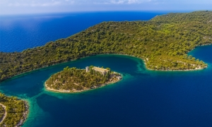 English tourists lost and found on the island of Mljet