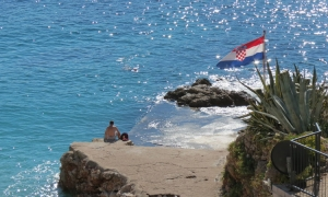 PHOTO – Sunbathing in Dubrovnik at the end of October