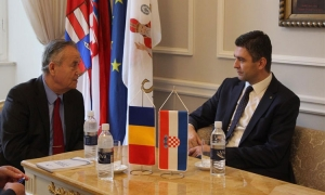 Romanian Ambassador chats with Mayor Frankovic