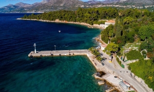Swimming banned on Koločep beach due to pollution