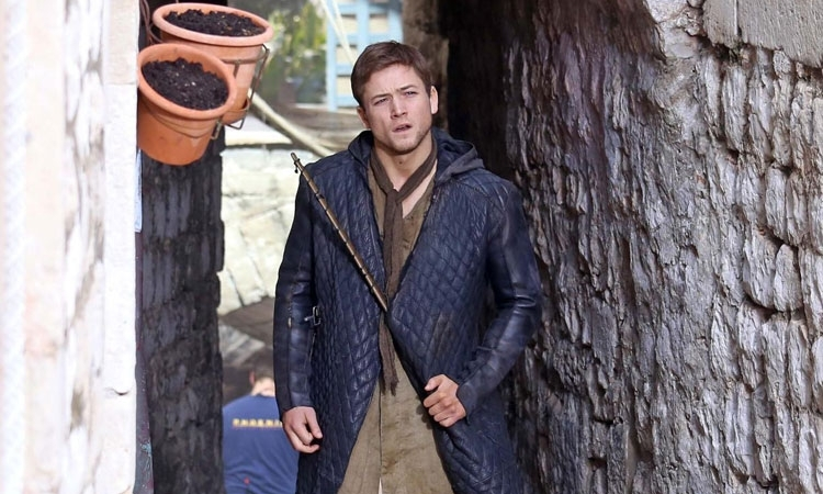 Taron Egerton reveals that he wasn't happy on the set of Robin Hood