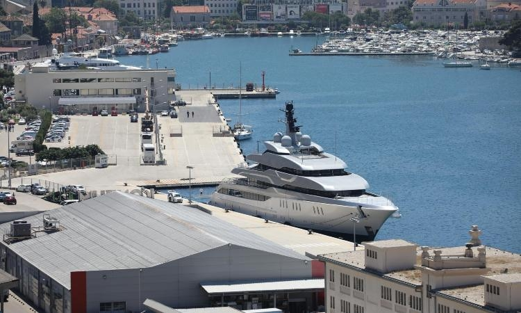 Vekselberg's superyacht Tango spotted in Dubrovnik again